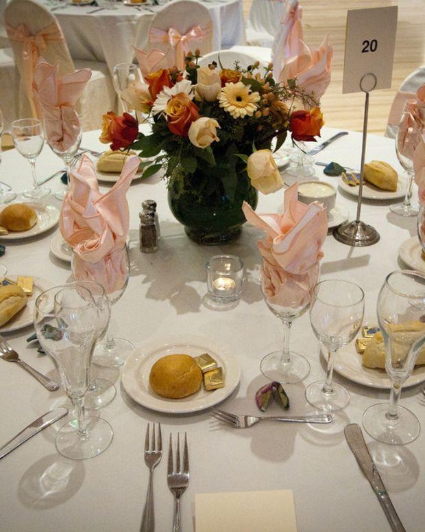 Woman Calls Off Wedding, Invites Homeless For Dinner Promo Image