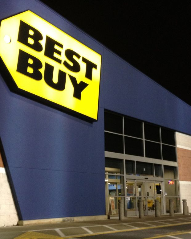 Best Buy Accused Of Price Gouging During Hurricane (Photo) Promo Image