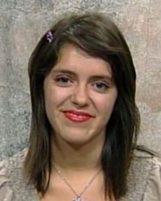 Teen Brenda Brinsdon Sues School Over Right Not to Recite the Mexican National A