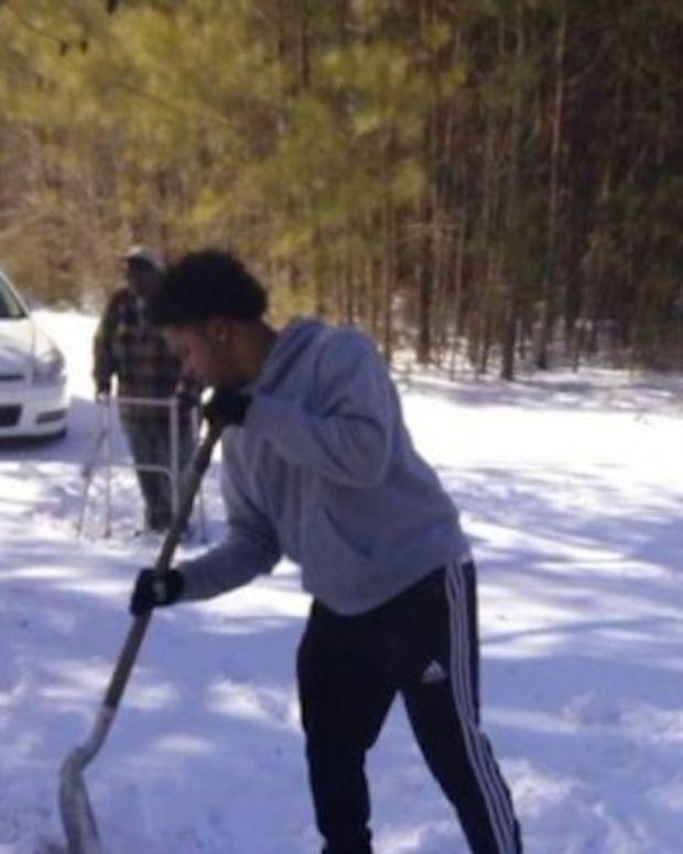 shoveling_featured.jpg