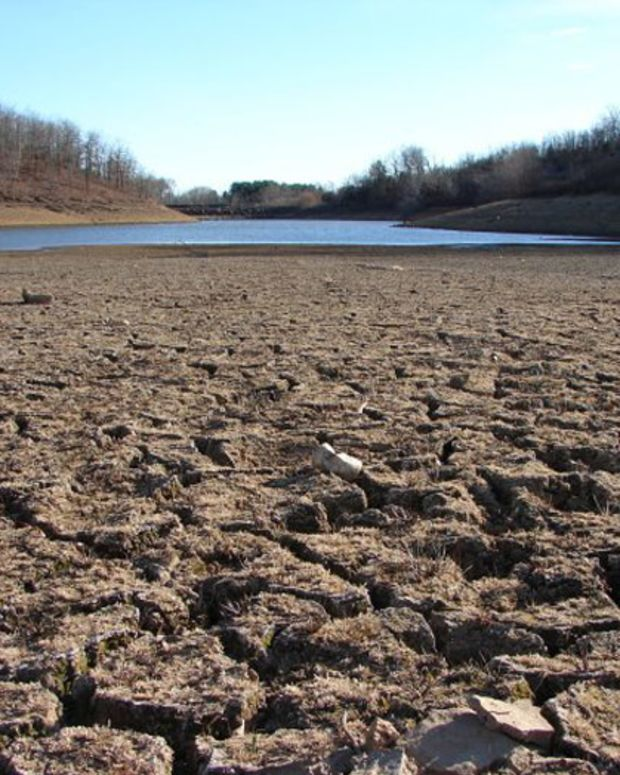 california_drought_dry_riverbed_2009_featured.jpg