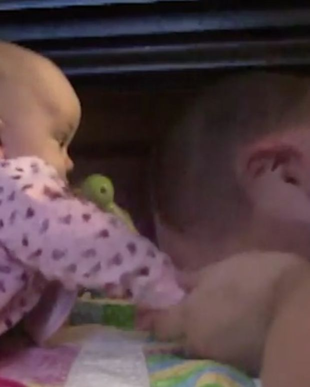 babiesslapping.jpg