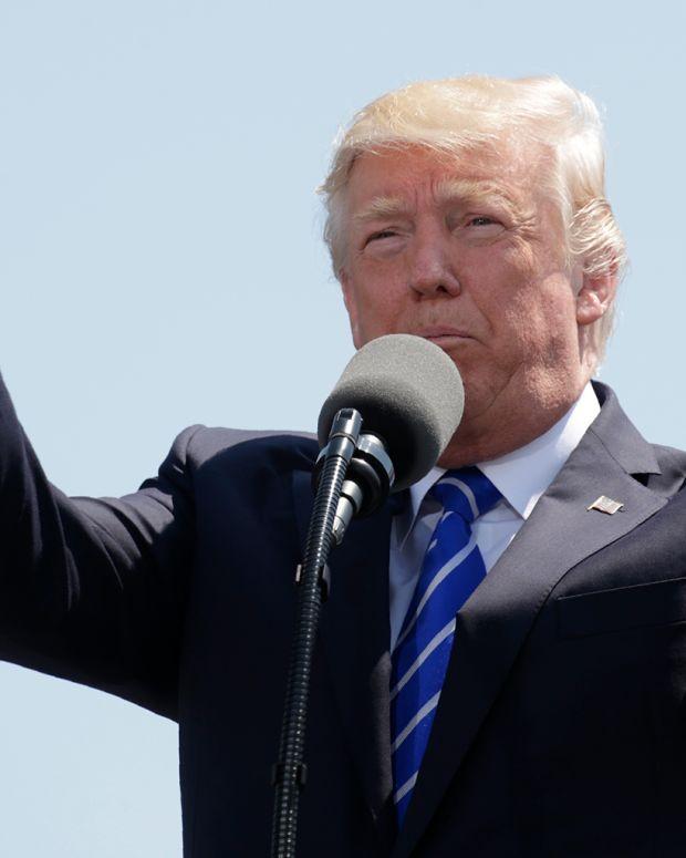 20170518_TrumpCommencement_THUMB_SITE.jpg