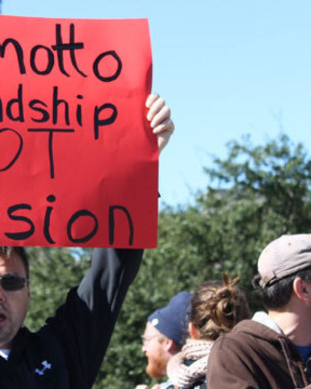 Texans Protesting The Governor's Stance Against Syrian Refugees