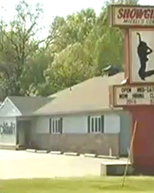 Strip Club Sign: 'Now Hiring Class Of 2016' (Video) Promo Image