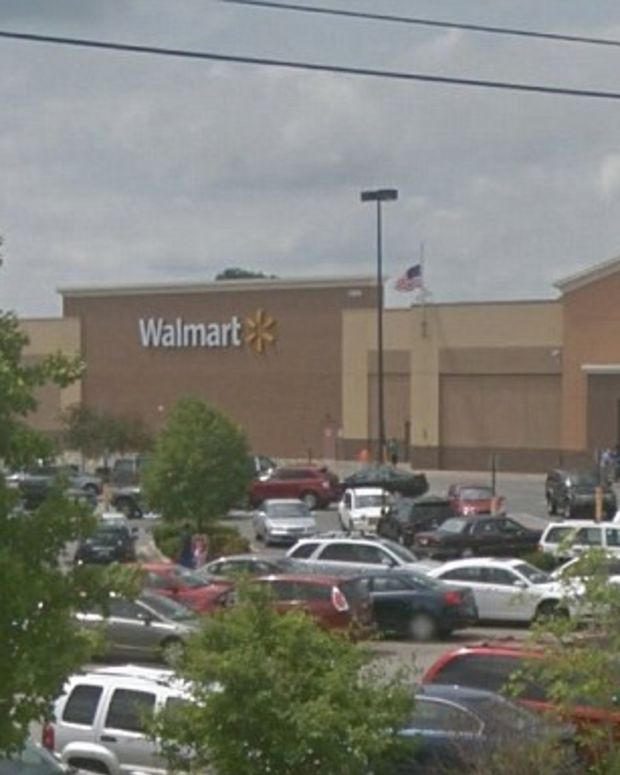 Walmart Workers Makes Unexpected Discovery Inside Car That Had Been Parked In Lot For 3 Weeks Promo Image