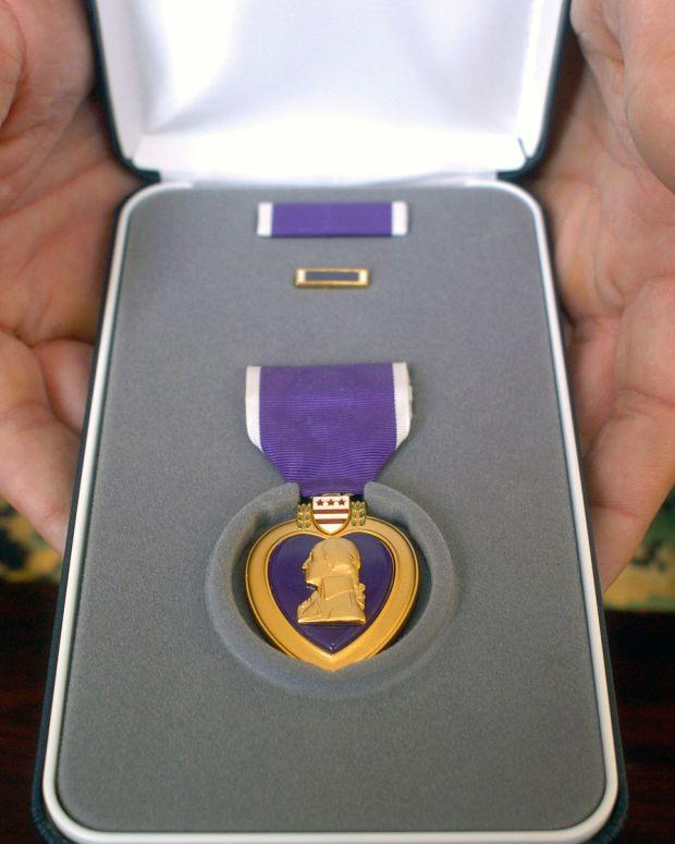 purple_heart_case.jpg