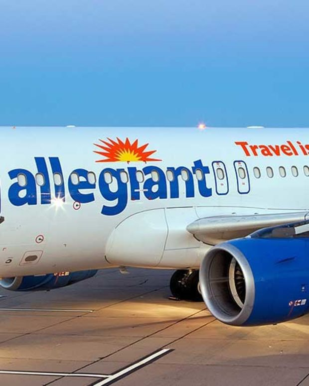 Airline Removes Family From Plane Due To Peanut Allergy Promo Image