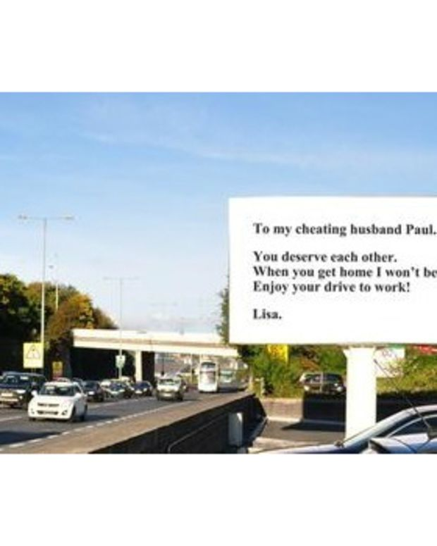 Road sign calling out cheating husband