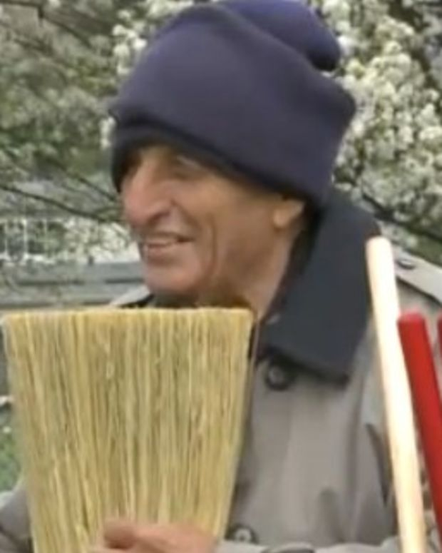 Indianapolis Rallies Behind Blind 'Broom Guy' Promo Image