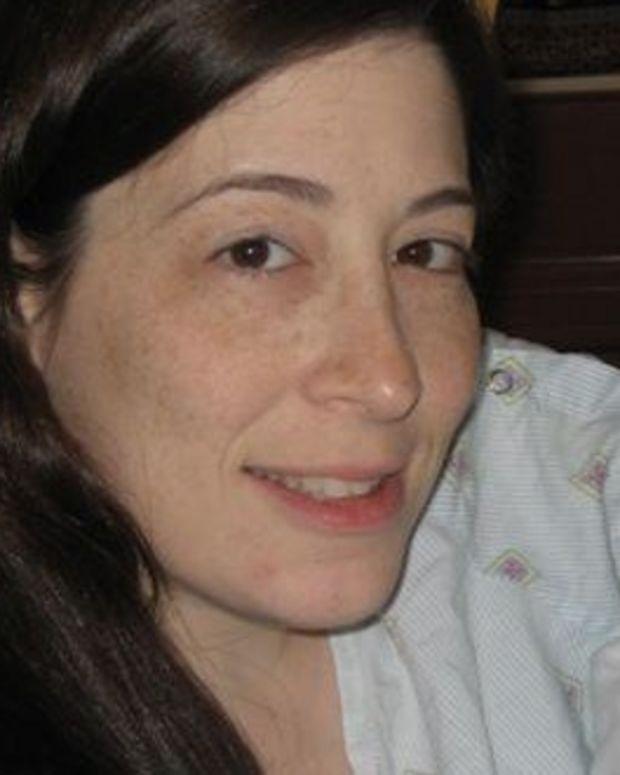 Woman Receives 9 False-Positive HIV Test Results Promo Image