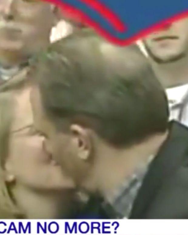 Syracuse University Kiss Cam