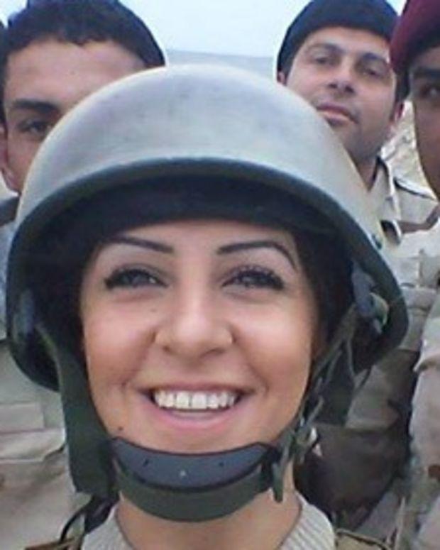 Joanna Palani with fellow peshmerga soldiers