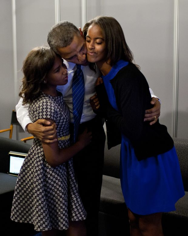 president obama with his daughters in 2012