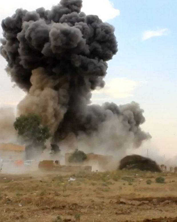 Coalition forces battle ISIS in Syria, 2015