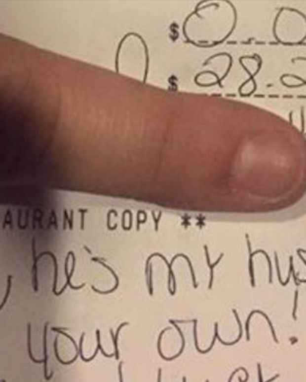 Server's Reaction To Customer Who Accused Her Of Flirting With Her Husband Goes Viral (Photo)  Promo Image