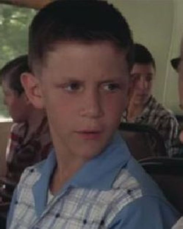Here Is What The Boy Who Played 'Young Forrest Gump' Looks Like Now (Photos)  Promo Image