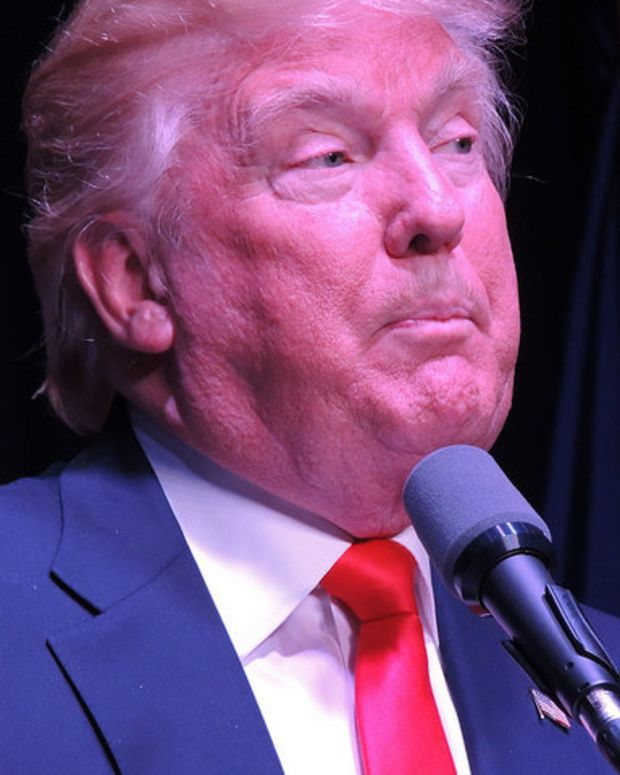 Trump Attacks Clinton In Late Night Twitter Stream Promo Image