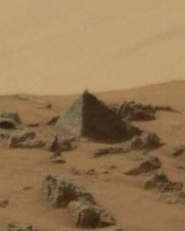 pyramidmars1.jpg
