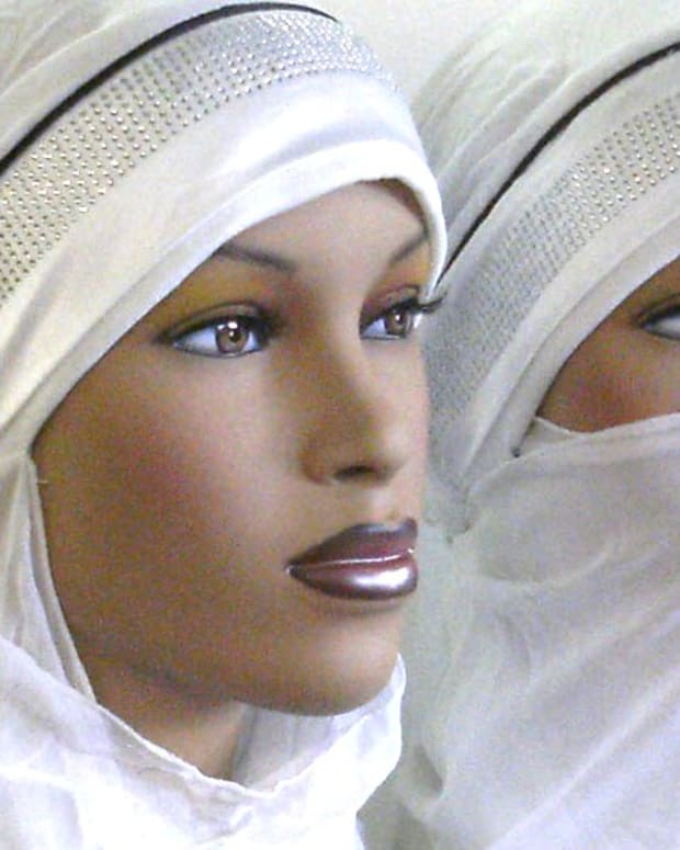 Muslim Group: Women Need Male Escort For 48 Mile Trip Promo Image