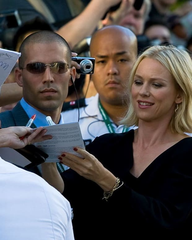 Naomi Watts 'Camera Duels' With Fan In New York  Promo Image