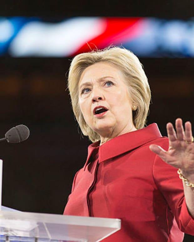 Mainstream Media Pushes Clinton Health Conspiracy Theory? Promo Image
