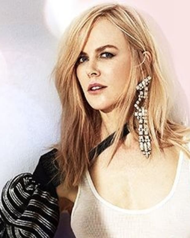 Oscar Viewers Fixate On Nicole Kidman's Weird Clapping (Video) Promo Image