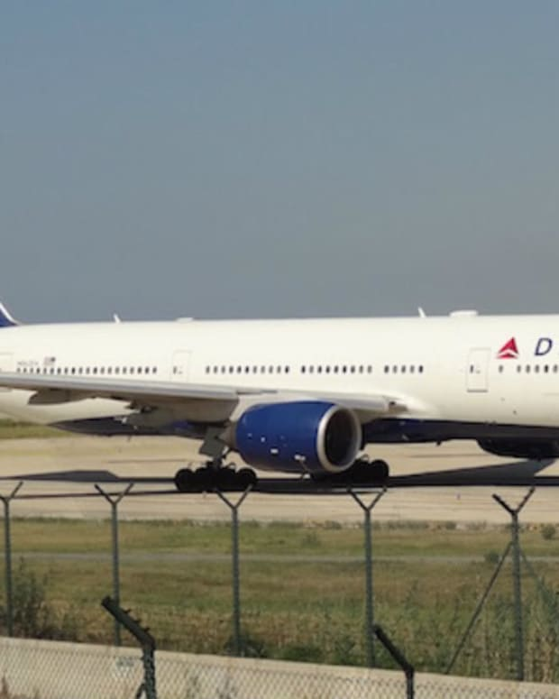 Man Kicked Off Delta Flight For Using Bathroom (Video) Promo Image