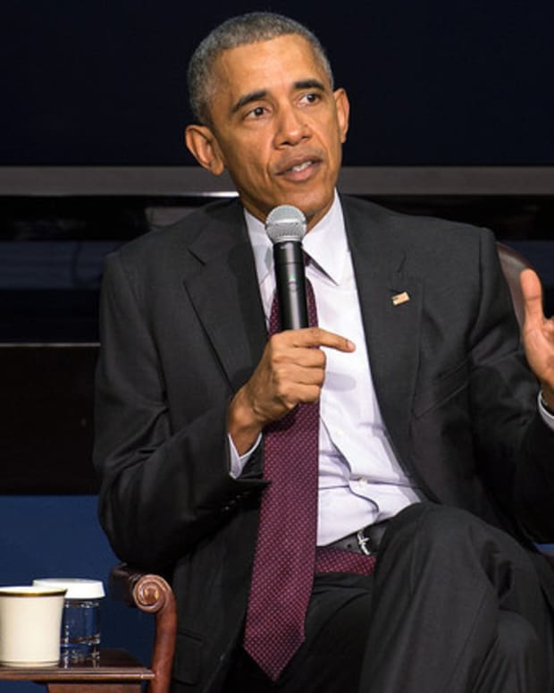 Obama Promotes 'Public Option' For Health Care Promo Image