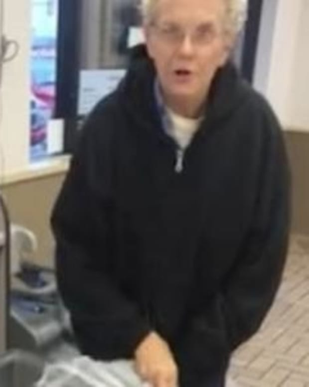 Customer Sees What Employee Is Doing With Trash, Takes Out Phone And Starts Recording (Video) Promo Image