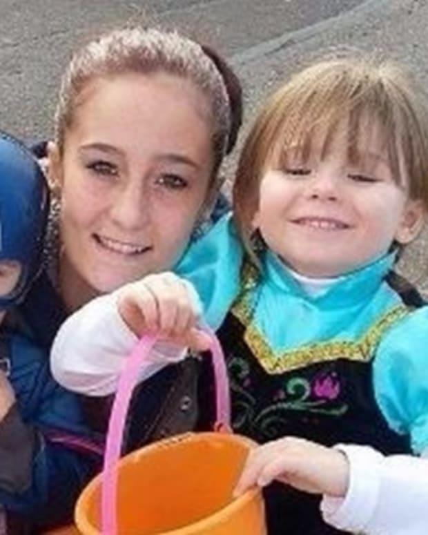 Mom Gives Daughter Marijuana Smoothie, Loses Custody Promo Image