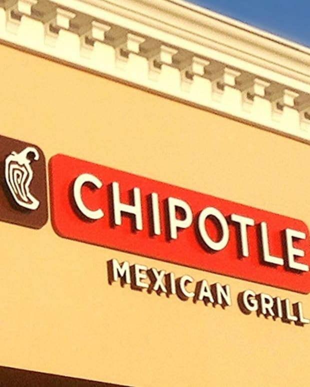 10,000 Employees Sue Chipotle For Unpaid Wages Promo Image