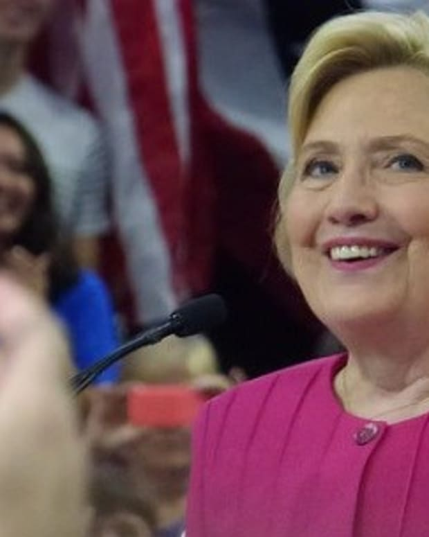 Electoral Map Predicts Blowout Win For Clinton Promo Image