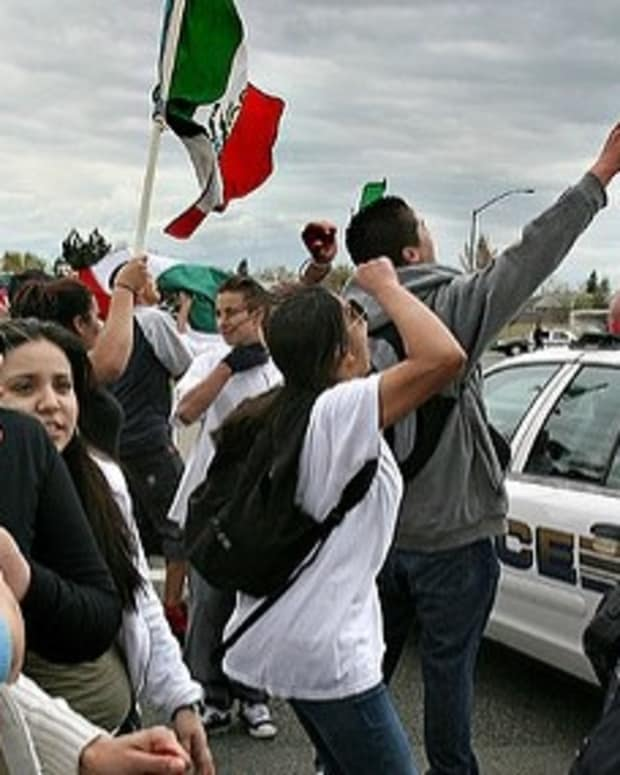 Mexico Stands Against New U.S. Immigration Guidelines Promo Image