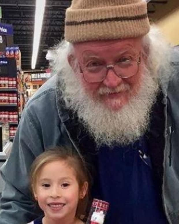 Mother's Walmart Trip Takes Unexpected Turn When Daughter Starts Talking To Older Man (Photo) Promo Image