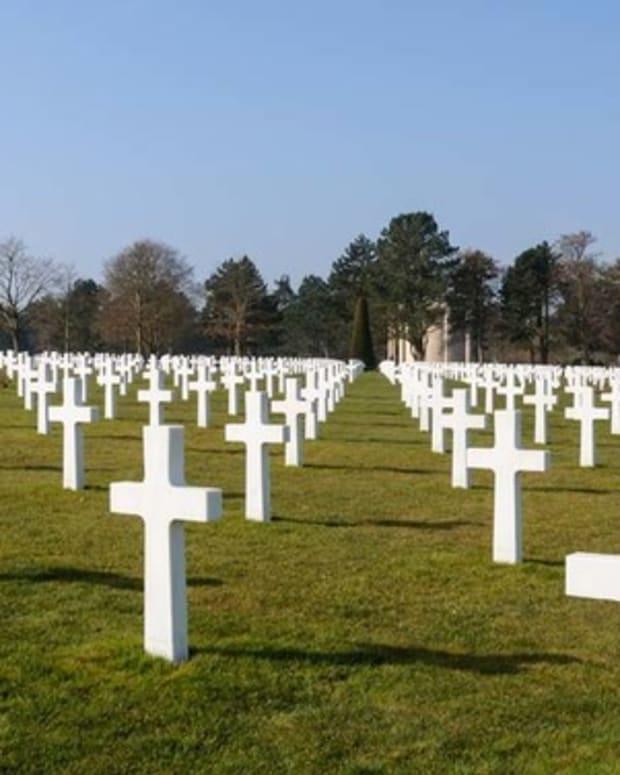 Mom Urinates Twice on Veteran Memorials Promo Image