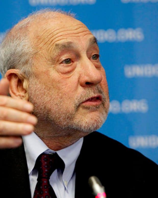 Nobel Prize Winning Economist: TPP 'Absolutely Wrong' Promo Image