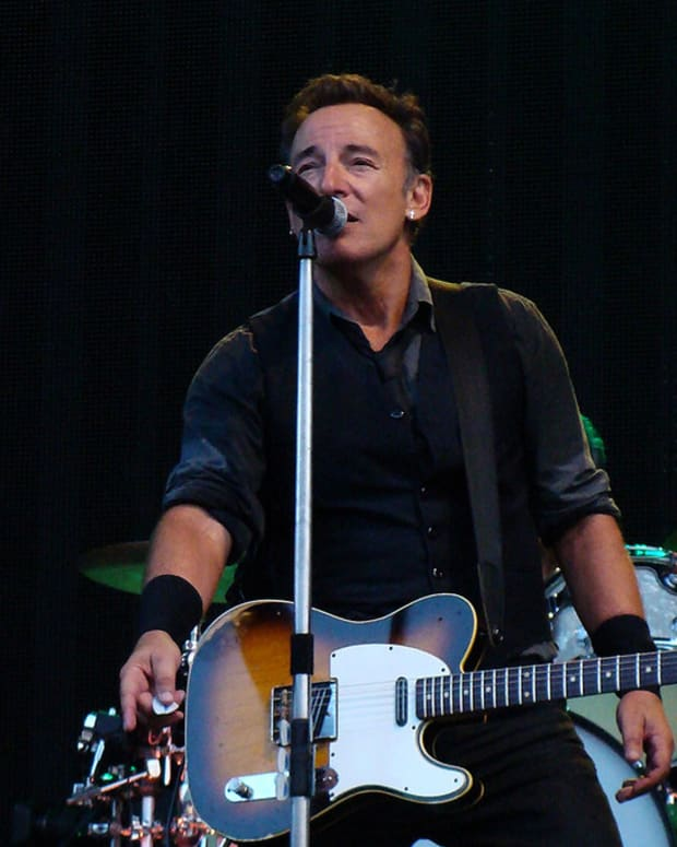 Bruce Springsteen Questions Donald Trump's Competence Promo Image