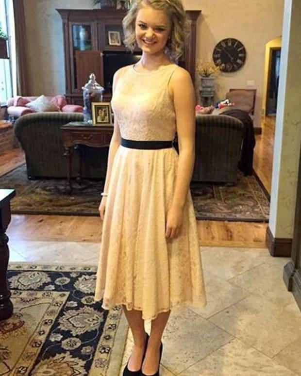 Teen Girl Shamed For Modest Dress (Photos) Promo Image
