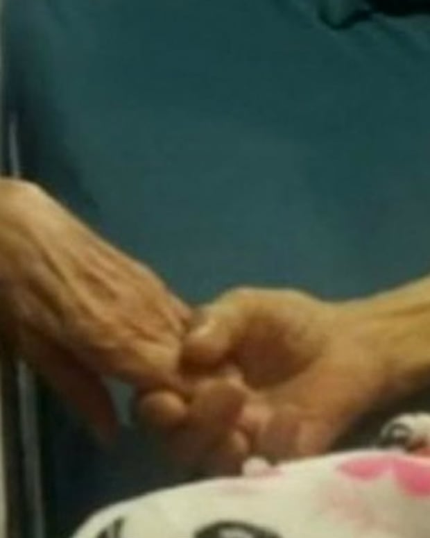 Texas Couple Dies Holding Hands After 58 Years of Marriage Promo Image