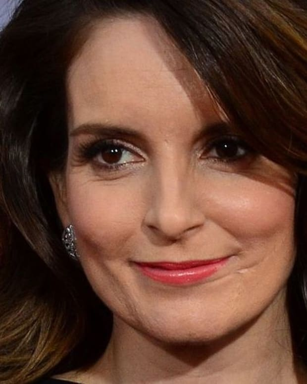Tina Fey Has Message For Female Trump Voters Promo Image
