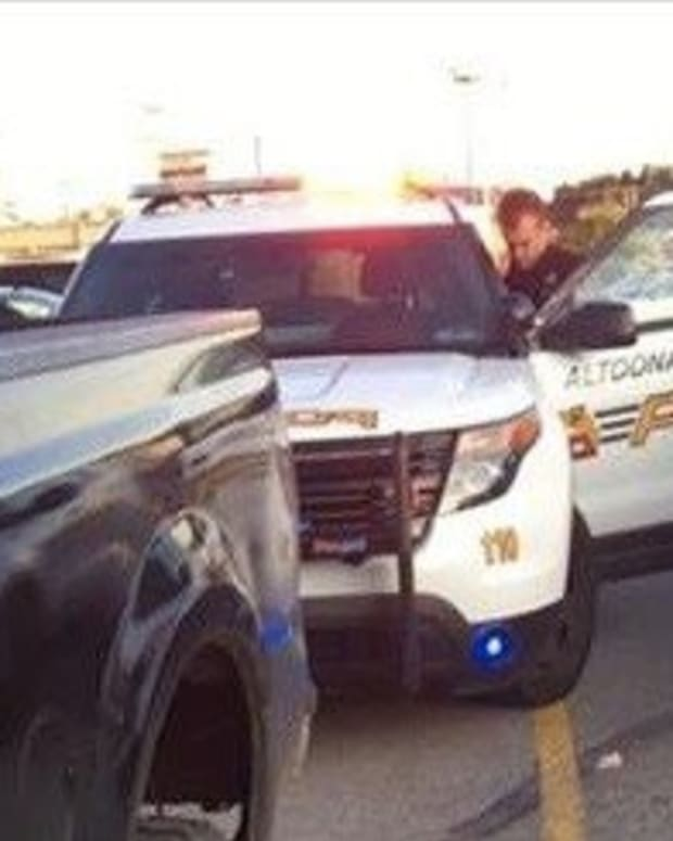 Cop Pulls Man Over, He Coldly Ignores Officer's Requests, Then Says Just 1 Chilling Thing Promo Image