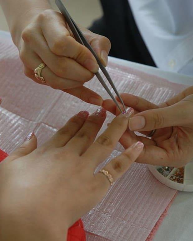Sarah Michelle Gellar Blasted For Son's Manicure (Photos) Promo Image
