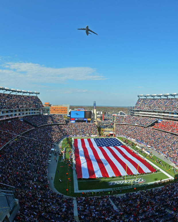 Patriots Booed By Own Fans For Kneeling During Anthem (Photo) Promo Image