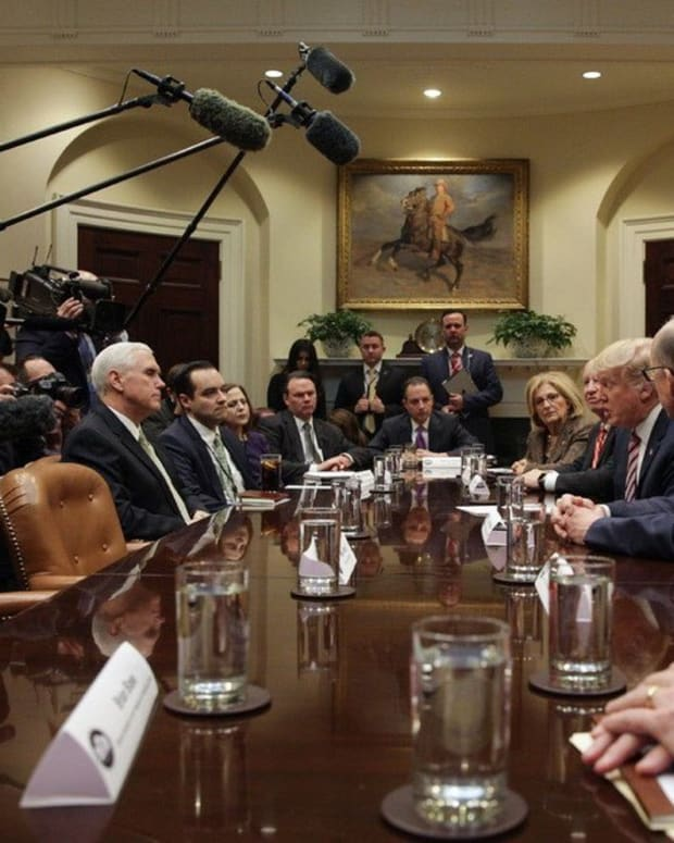 Obamacare Enrollment On The Rise Promo Image