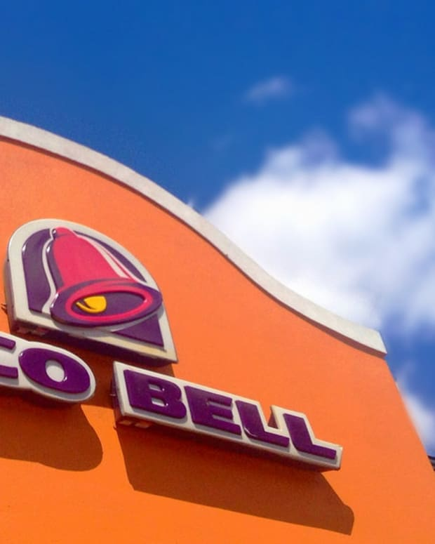 Taco Bell Manager Fights Former Employee (Video) Promo Image
