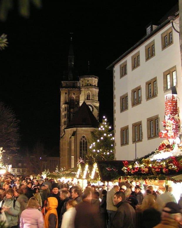 German Police Find Device, Evacuate Christmas Market Promo Image