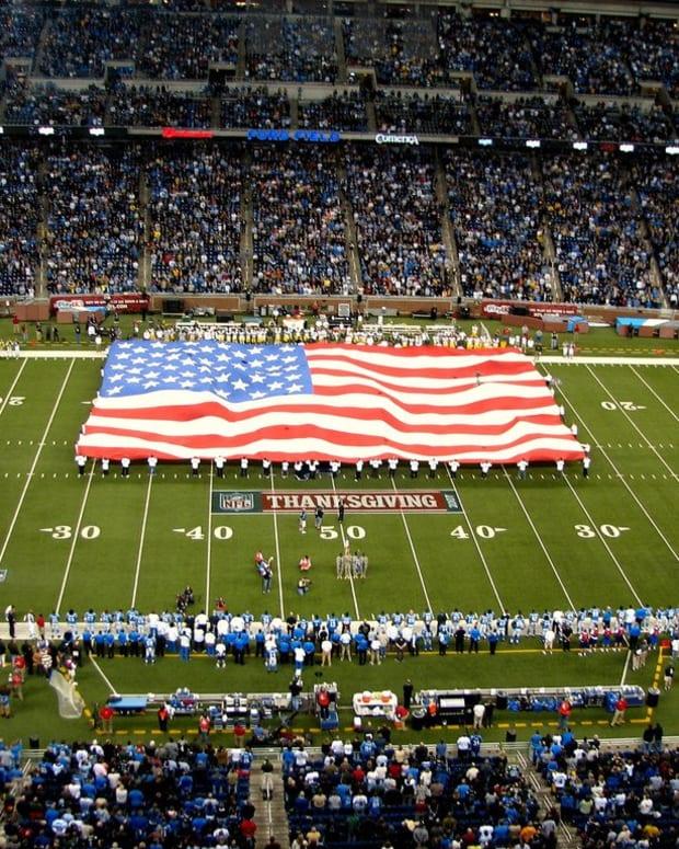NFL Stadium Worker Quits After Team Kneels For Anthem (Photos) Promo Image