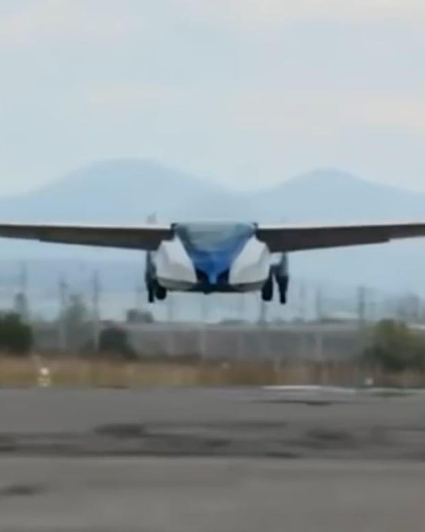 FlyingCar_SITE.jpg
