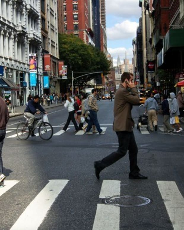 New Jersey Should Ban Texting While Walking Promo Image
